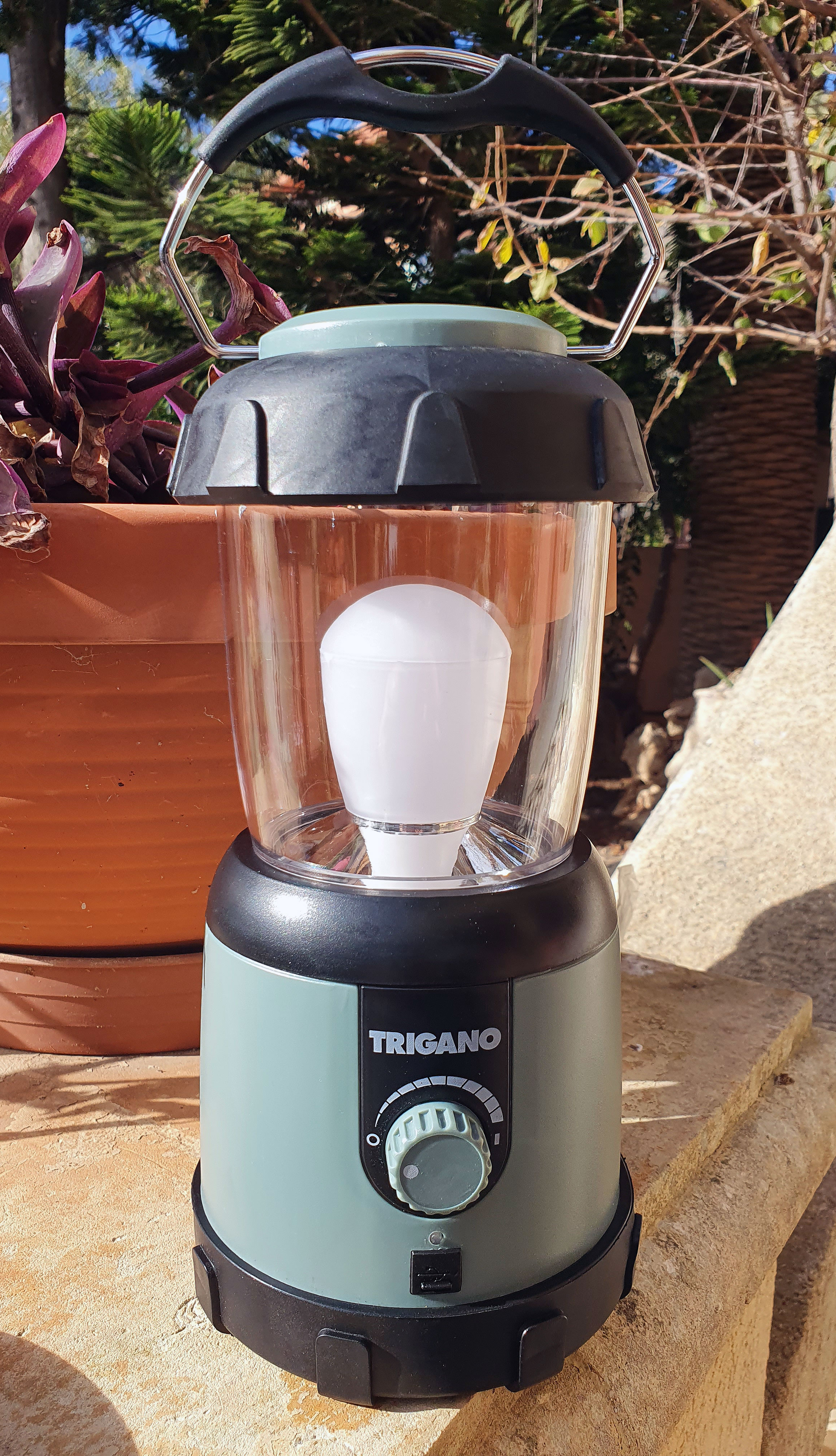Rechargeable LED Lantern
